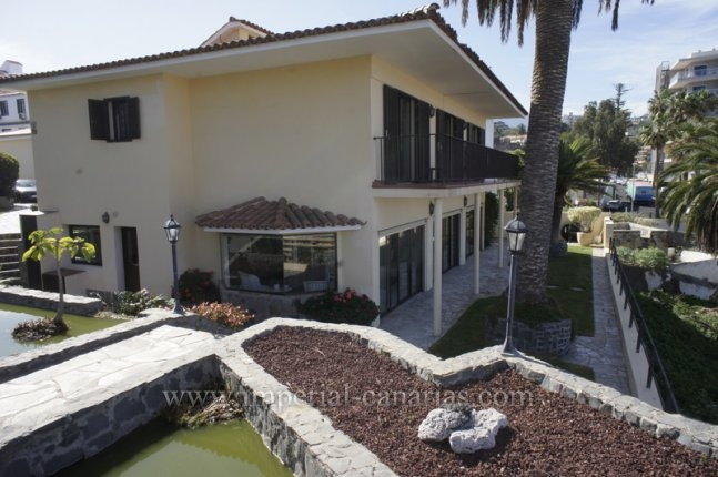 Chalet in La Paz  -  Beautiful and spacious Villa with magnificent views to the Puerto de la Cruz