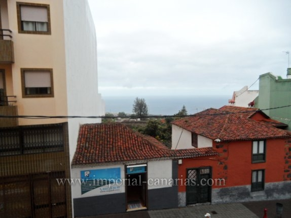 Flat in La Orotava  -  Spacious flat in the centre of La Orotava. 4 bedrooms and 2 bathrooms, it is completly renovated.