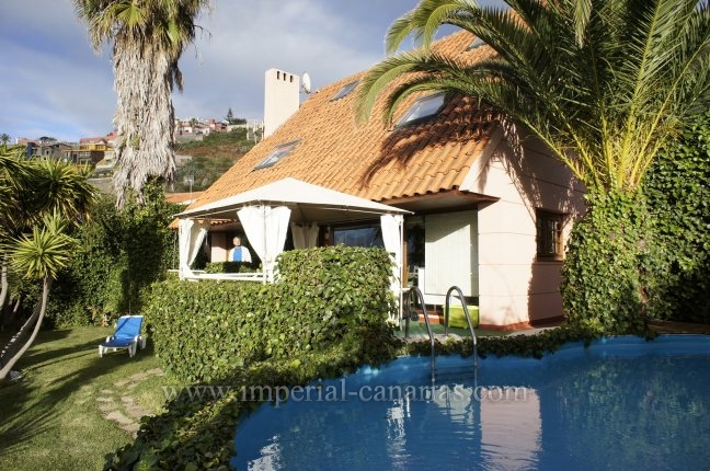 Chalet in La Baranda  -  Cozy detached villa with panoramic views. Completely furnished, swimming pool!