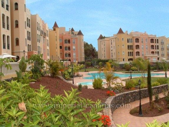 Grosszügiges Penthouse mit 2 Terrassen und Ruindumblick in La Quinta!  klicken zum vergrössern