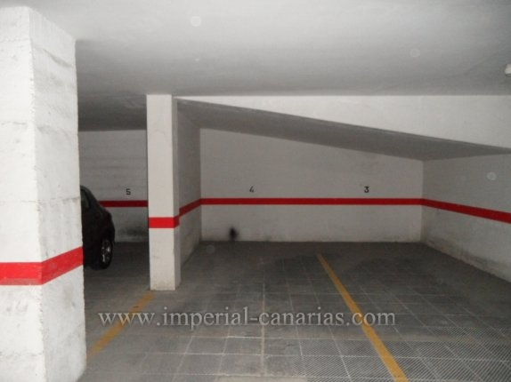 Garage in El Tope  -  Garage space in residential area. Easy access.
