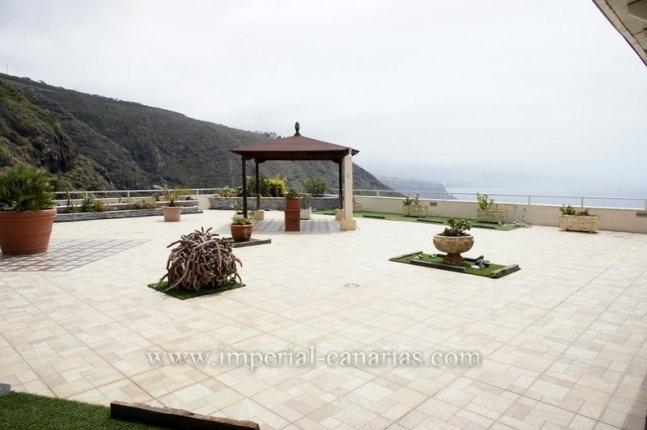 Penthouse mit riesiger Terrasse und herlichem Blick aufs Meer und Teide  klicken zum vergrössern