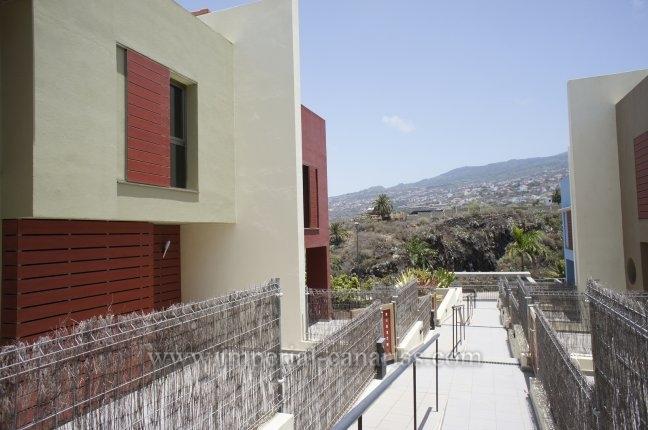 Tolles Reihenhaus in guter Lage von La Quinta mit Gemeinschaftspool!  klicken zum vergrössern