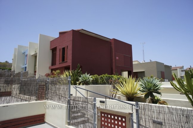 Grosszügiges Reihenhaus mit privatem Garten in La Quinta!  klicken zum vergrössern
